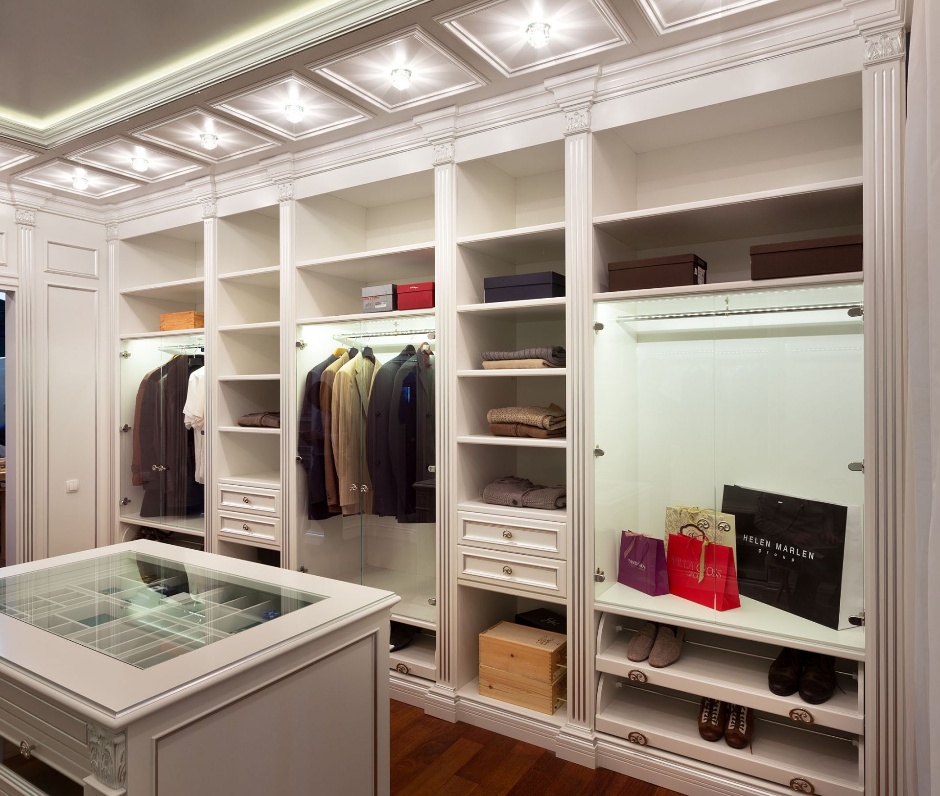 Classical-style dressing room